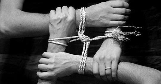 Люди, которые нас окружают: 9 категорий кармических связей