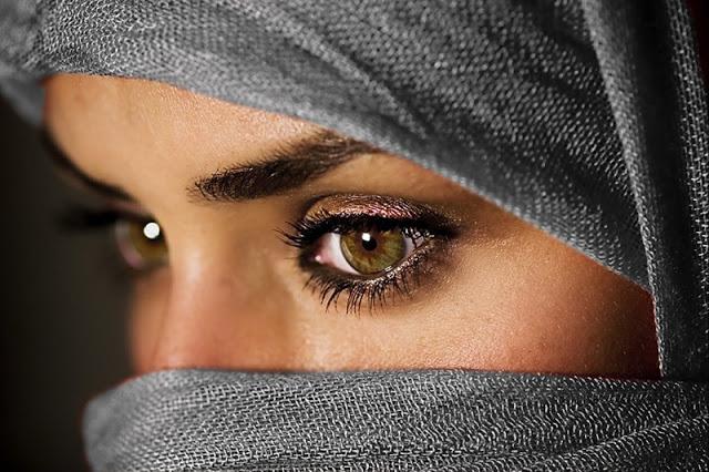 Первый секс-гид для мусульман: путеводитель по миру халяльного блаженства.
