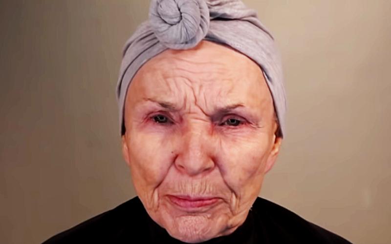 Эта 80-яя женщина красится лучше визажистов. За неделю её ролик с макияжем набрал больше миллиона просмотров.
