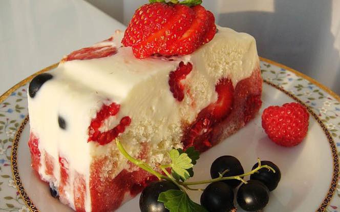 Очень нежный и легкий: Летний низкокалорийный тортик