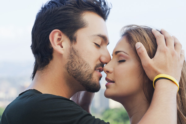 Хорошая женщина хочет твоей любви, времени и внимания. А не твоих денег