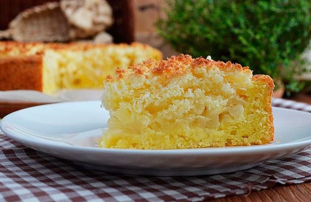 Лучший осенний десерт — Нежный творожный пирог с яблоками и кокосовой карамелью