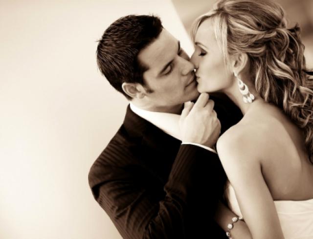 Как заставить мужчину обратить на тебя внимание