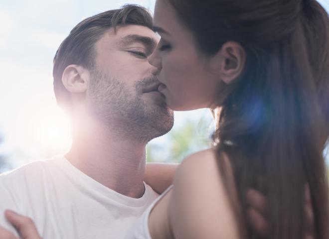 Мужчины рассказали, что нужно для незабываемого поцелуя