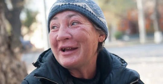 Мать бросила сына в роддоме, узнав что он стал богатым пришла требовать деньги. Он оказался не промах