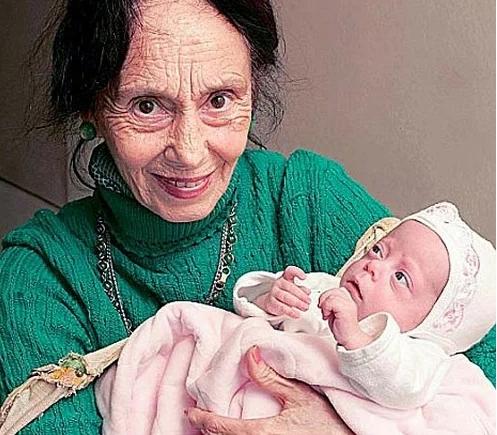 «Женщина родила в 66 лет»: как выглядит ее дочка через 14 лет