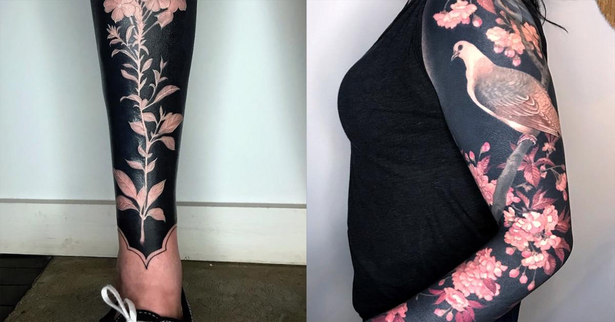 Новый тренд в татуировках: цветы на черном фоне