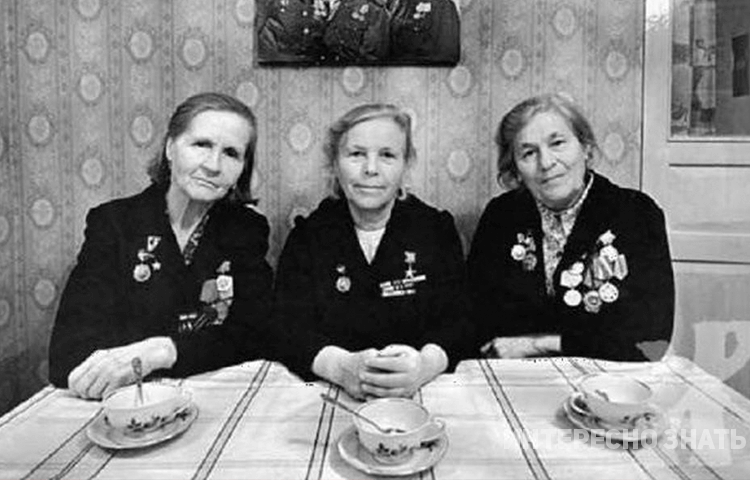 Снимок длинною в жизнь. Кто эти женщины и как сложилась их судьба после войны