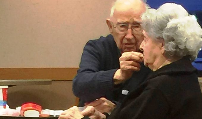 10 уроков любви от 96 летнего мужчины, который до сих пор водит на свидания свою больную жену