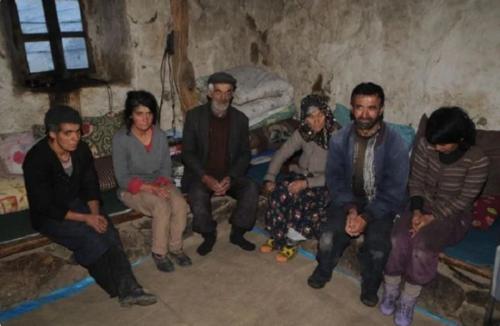 Альпинисты нашли в горах семью, проживающую 80 лет без цивилизации. Что с их судьбой сейчас