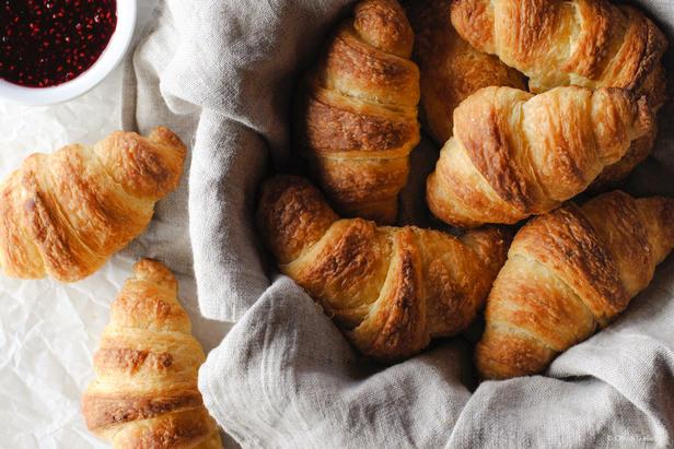 Как приготовить пышные и вкусные круассаны в домашних условиях