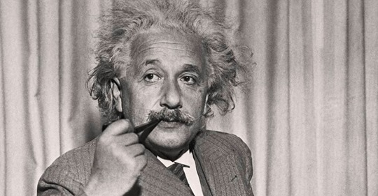 Эйнштейн: «Только дурак нуждается в порядке — гений господствует над хаосом»
