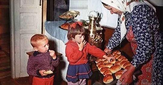 Мои обе бабушки жили в одном селе. Жили мирно и дружно, пока на свет не появились внуки