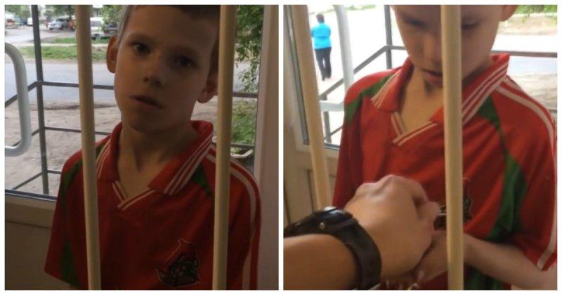 Паренёк вломбарде хочет обменять спичку на1000 рублей