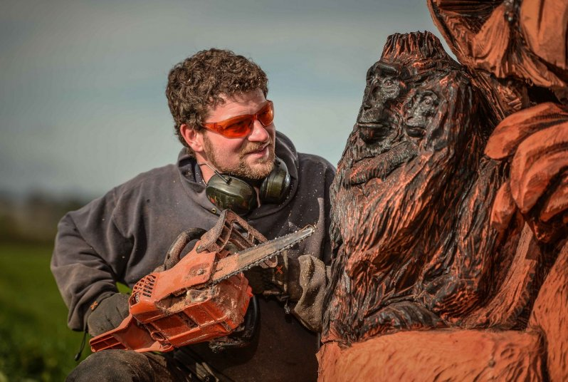 Удивительные скульптуры сделанные бензопилой