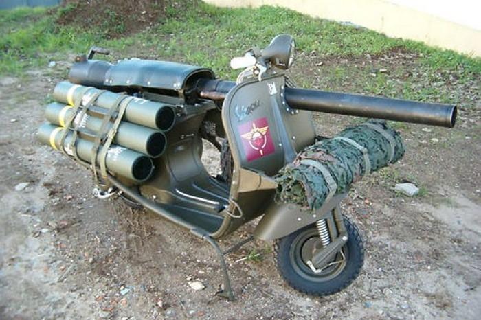 Bazooka Vespa   мотороллер, который мог уничтожать танки