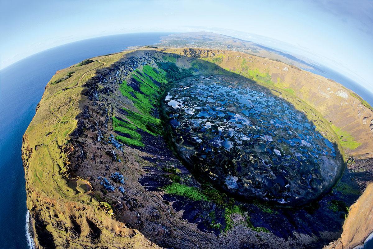 У истуканов с Острова Пасхи оказались туловища, которые были скрыты глубоко под землёй на протяжении веков