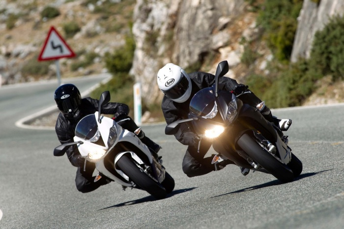 7 легендарных спортивных мотоциклов из 1990 х, которые хороши и сегодня