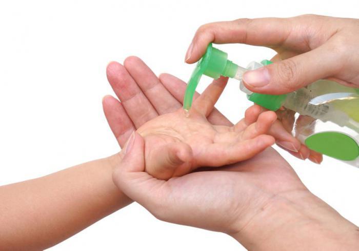 Дезинфицирующее средство для рук стало причиной болезни множества детей