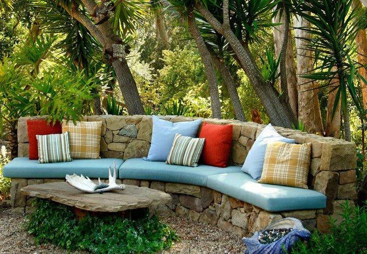 Как сделать садовую скамейку из камня