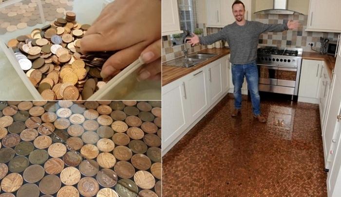 Мужчина просто взял монеты и сделал пол как в самых шикарных особняках